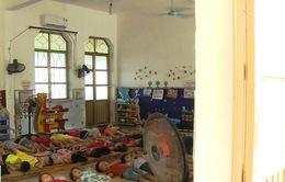 """Lắp điều hòa ở trường học: Trẻ chưa kịp mát, phụ huynh đã """"nóng"""" vì tranh luận"""