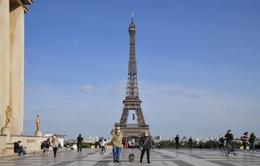 Tháp Eiffel sẽ đón du khách trở lại từ cuối tháng 6