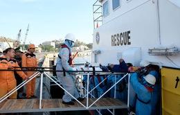Cứu nạn thuyền viên bị thương khi đánh bắt hải sản ở Trường Sa