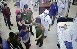 Tin nóng đầu ngày 13/6: Đánh nhân viên y tế, người đàn ông bị phạt 2,5 triệu đồng