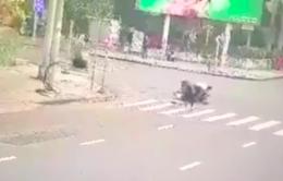 Cảnh sát đặc nhiệm phóng xe, nổ súng bắt cướp như phim hành động