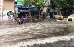 Đồng Nai: Mưa lớn, nhiều tuyến đường ngập nặng