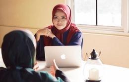 Phụ nữ trẻ Indonesia khởi nghiệp thành công với thời trang Hồi giáo