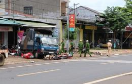 Từ vụ tai nạn ở Đăk Nông: Vô tư họp chợ ở quốc lộ bất chấp nguy hiểm?