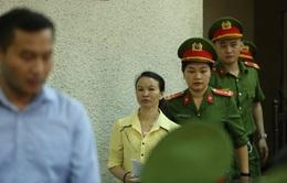 Phiên tòa phúc thẩm xét xử mẹ nữ sinh giao gà và đồng phạm bị hoãn giữa chừng