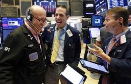 Thị trường bán lẻ khởi sắc, chứng khoán Mỹ bật tăng