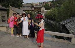 """Du lịch Trung Quốc rơi vào """"vòng xoáy khó khăn"""" vì COVID-19"""