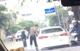 """Cảnh sát Nam Định sử dụng ô tô mang BKS giả """"không biết biển giả"""""""
