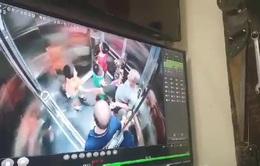 Bé trai bị dâm ô trong thang máy chung cư giữa Hà Nội