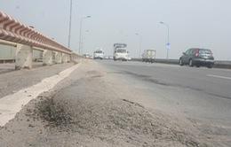 Sẽ cấm lưu thông hoàn toàn qua cầu Thăng Long để sửa chữa
