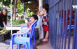 Cặp lá yêu thương Đà Nẵng: Cuộc sống của 6 bà cháu phụ thuộc từ sạp rau