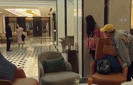 """Đừng bắt em phải quên - Tập 16: Ngọc theo dõi bố và """"em gái mưa"""" tại khách sạn"""