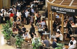 Đại gia bất động sản Hong Kong (Trung Quốc) chi 1 triệu USD lôi kéo khách mua sắm