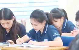 """Sinh viên du học Việt Nam đứng giữa """"ngã ba đường"""" hậu COVID-19"""