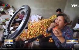 Livestream – Chiêu thức bán hàng mùa dịch của cụ bà 80 tuổi người Trung Quốc