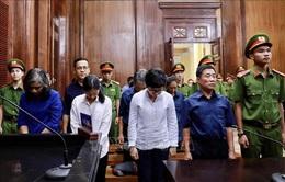 Tạm hoãn phiên tòa xét xử phúc thẩm vụ Hứa Thị Phấn tại Ngân hàng Đại Tín