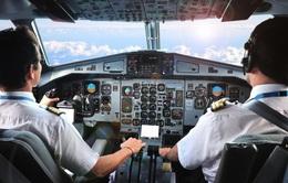 Phi công nước ngoài đang được cấp phép bay ở Việt Nam ra sao?