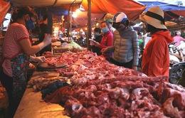 Giá lợn hơi giảm nhẹ, rời mốc 100.000 đồng/kg