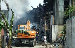 Rõ nguyên nhân ban đầu vụ cháy tại xưởng hóa chất ở Long Biên