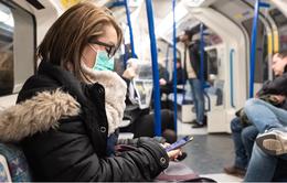 Bắt buộc đeo khẩu trang khi đi trên phương tiện công cộng tại Anh