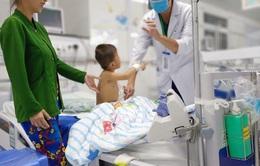 Báo động đỏ liên viện cứu bé trai khỏi nguy cơ bị cắt một cánh tay