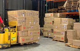 New York đón nhận 2 tấn khẩu trang do Hà Nội tặng