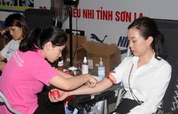 """Tiếp nhận 559 đơn vị máu trong ngày hội hiến máu """"Giọt hồng yêu thương"""" tại Sơn La"""