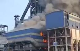 Cháy tại khu liên hợp sản xuất gang thép Hòa Phát Dung Quất, khói đen bốc cao hàng chục mét