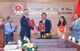 Hàng năm, Hoa Kỳ sẽ cử 20 tình nguyện viên giảng dạy tiếng Anh sang Việt Nam