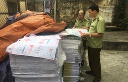 Tạm giữ gần 2,3 tấn bìa và ruột sách có dấu hiệu in lậu