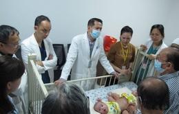 93 nhân viên y tế sẵn sàng cho ca mổ tách dính phức tạp đầu tiên tại Bệnh viện Nhi đồng Thành phố