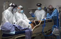 Tăng vọt số ca nhiễm COVID-19, bang California ngừng mở cửa trở lại