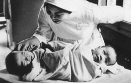 """Từ kỳ tích """"Song Nhi"""", nhớ về ca mổ lịch sử tách cặp song sinh Việt - Đức 32 năm trước"""