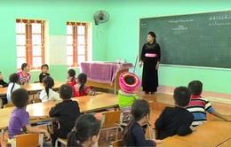 Giáo viên vùng cao vượt khó tiếp cận sách giáo khoa mới