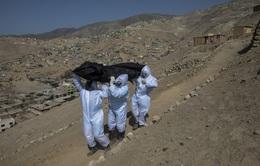 Làm nghề thu thập thi thể bệnh nhân COVID-19 ở Peru là như thế nào?