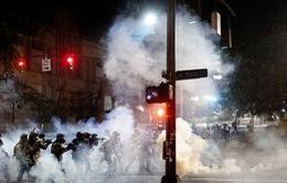 Mỹ cử quân đội liên bang can thiệp biểu tình, nhiều bang phản đối kịch liệt