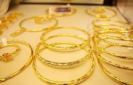 Nhu cầu vàng trang sức ở châu Á giảm khi giá vàng cao nhất trong 9 năm
