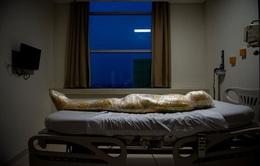 Bức ảnh bệnh nhân COVID-19 tử vong như xác ướp tại Indonesia gây ám ảnh