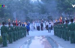 Thắp lên ngọn lửa tri ân với những người đã không tiếc thân mình cho độc lập tự do