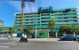 Bố của BN418 tử vong tại Bệnh viện Đà Nẵng có liên quan đến COVID-19 hay không?