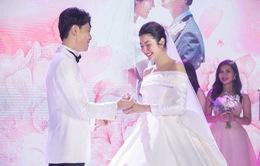 Á hậu Thúy Vân tiết lộ mang bầu con trai tại đám cưới
