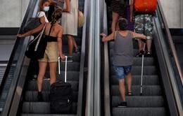 Anh đưa Tây Ban Nha khỏi danh sách an toàn du lịch, nhiều du khách hoang mang