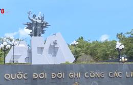 Lãnh đạo nhà nước dâng hương các anh hùng liệt sĩ tại Quảng Bình