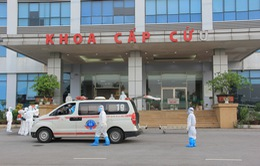 Công dân Việt Nam mắc COVID-19 từ Guinea Xích đạo về đến Bệnh viện Bệnh nhiệt đới Trung ương
