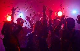 """Phát hiện sinh viên Mỹ tổ chức """"tiệc COVID-19"""" xem ai nhiễm virus trước"""