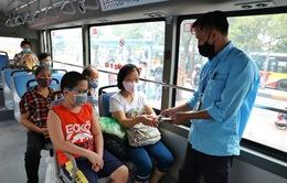 Xe bus Hà Nội chủ động phòng chống dịch