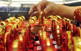 Giá vàng tăng dựng đứng, xếp hàng chờ mua 15 phút mất gần chục triệu đồng