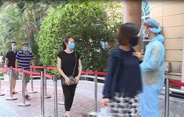 Các bệnh viện tại Hà Nội tăng cường biện pháp sàng lọc bệnh nhân, tránh lây nhiễm COVID-19