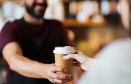 Đừng bao giờ chi 4 USD cho một cốc cà phê nếu bạn đang mắc nợ!