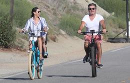 Ông trùm ngành giải trí Simon Cowell bị tai nạn xe đạp điện, gần như liệt nửa người
